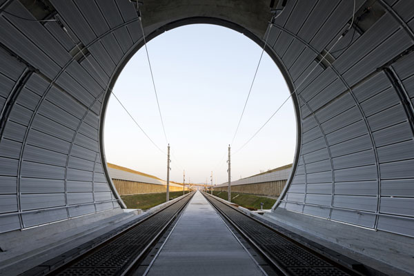 Noise control tunnel
